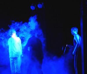 Die Spielleitermaschine spuckt heftig Nebel, als ihr die Macht zu entgleiten droht